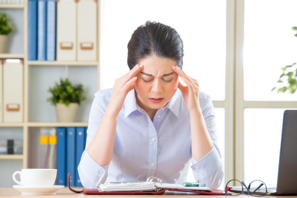 Đau nửa đầu: Nguyên nhân và triệu chứng